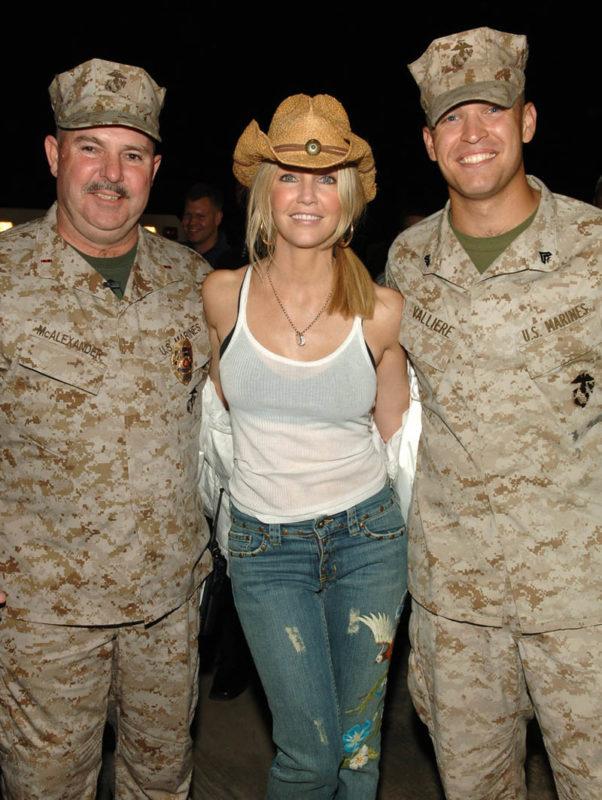 Selebriti Hollywood dari Keluarga Militer