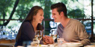 membayar ketika kencan