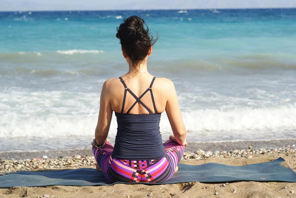 pose yoga sederhana