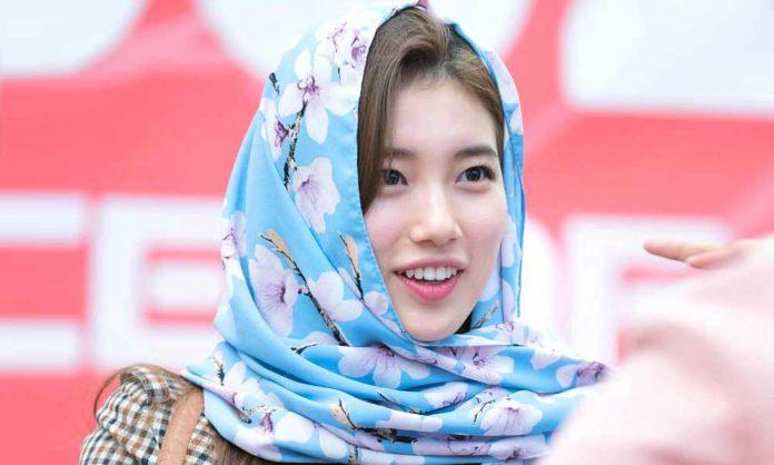Bae Suzy tampil berhijab