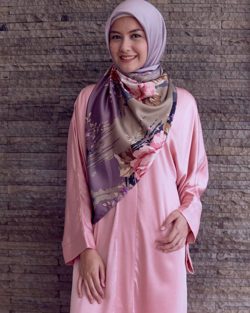 warna-hijab-untuk-lebaran-ungu