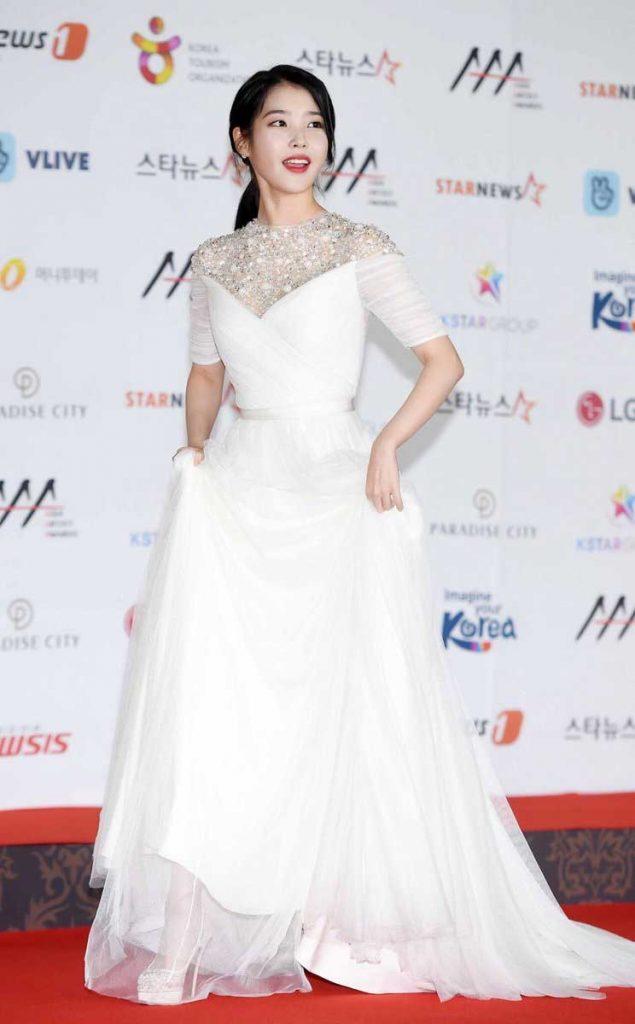 Gaun-terbaik iu-di-aaa-2018-1