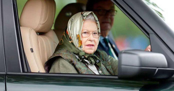 ratu-elizabeth-menyetir-sendiri 2