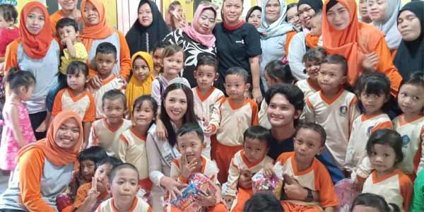 Finalis-Putri-Indonesia-kunjungan-PAUD