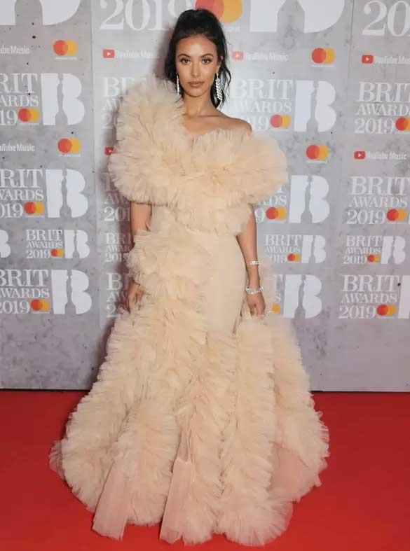 gaun-terbaik-brit-awards-2019 maya jama