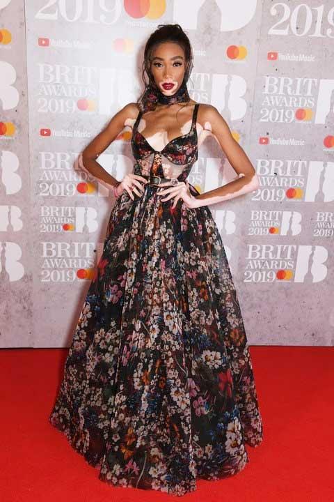 gaun-terbaik-brit-awards-2019 winnie harlow