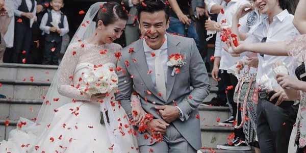 pernikahan dion wiyoko