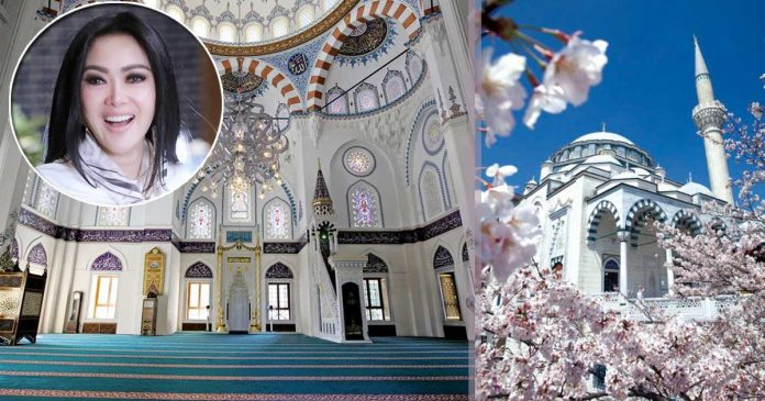 syahrini-akad-nikah-di-masjid camii tokyo 4