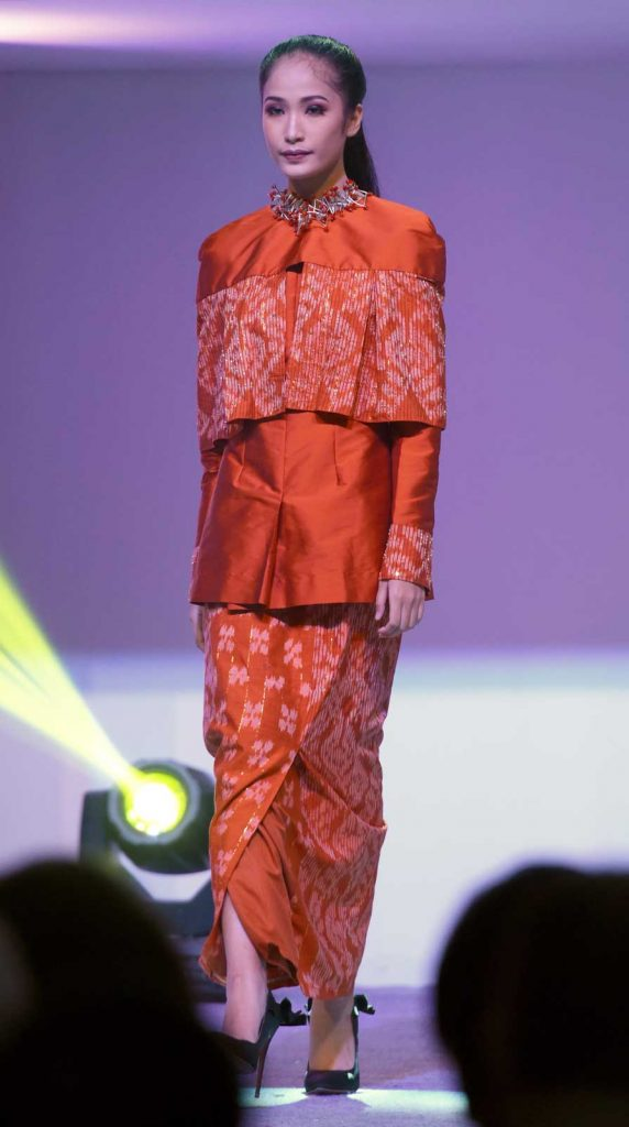 baju-tenun-donggala-modis-5
