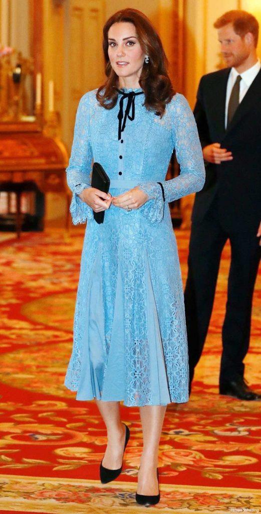 gaun-kate-middleton-biru