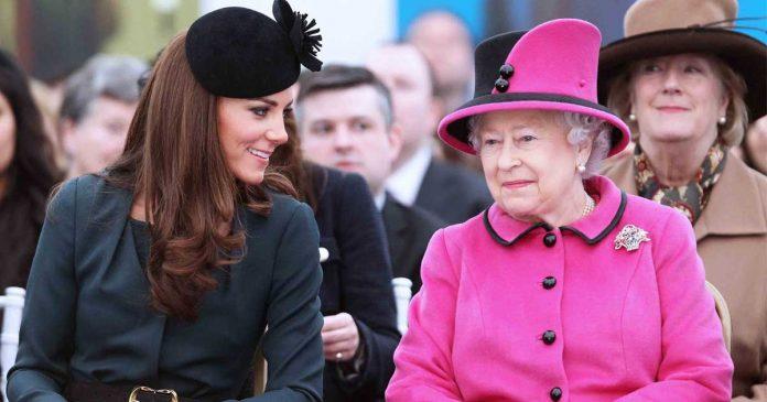 baju ratu elizabeth kembaran persiapan kate middleton jadi ratu