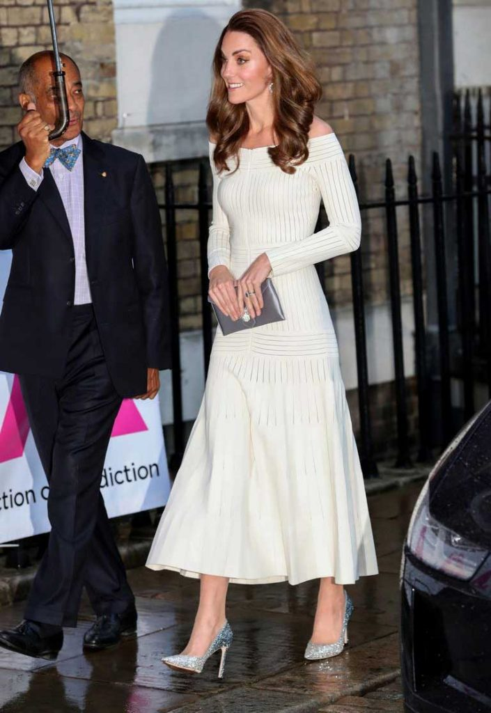 baju-bekas-kate-middleton off shoulder