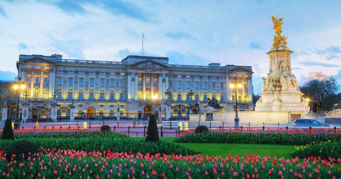 biaya-renovasi-rumah-istana royal family