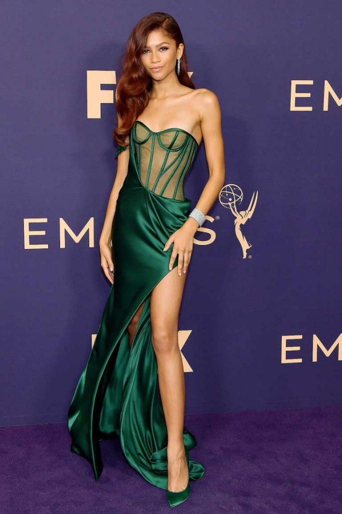 gaun-terbaik-emmy-awards-2019-zendaya
