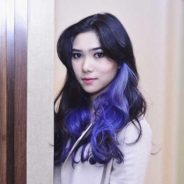 isyana-rambut-ungu