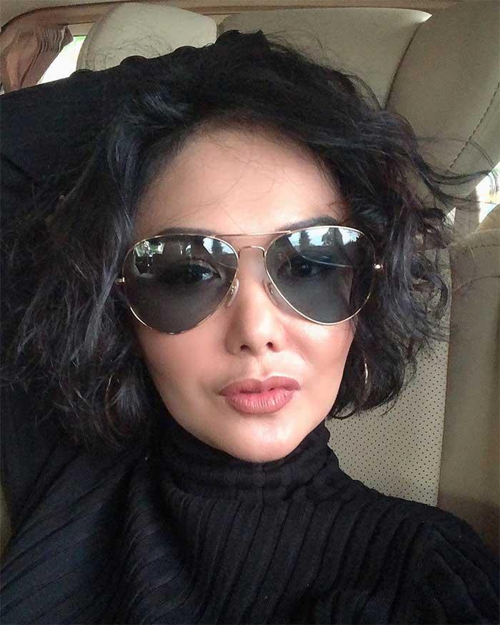Gaya rambut Yuni Shara