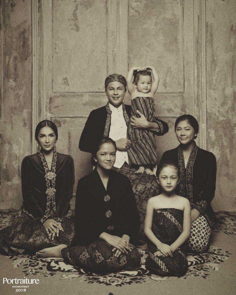 konsep-foto-jadul-keluarga-andhika-pratama