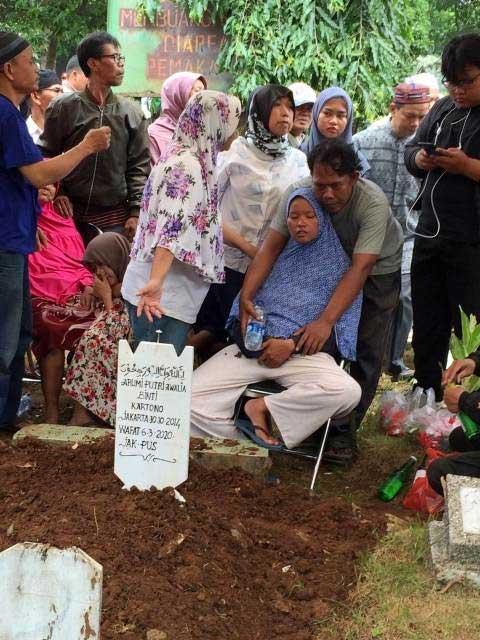 pemakaman-korban-pembunuhan-15-tahun