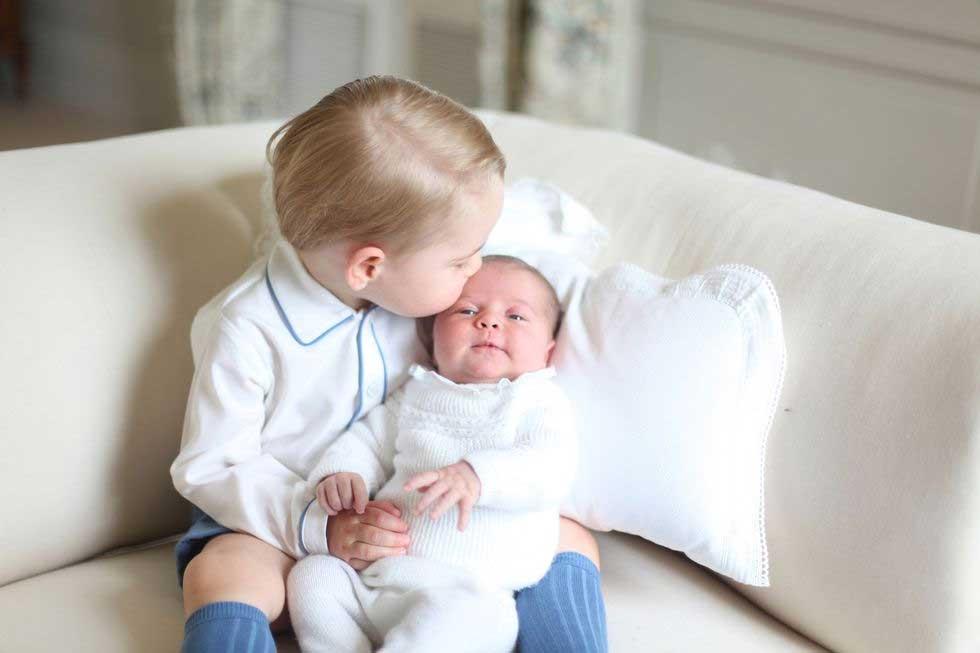 pangeran-george-dan-putri-charlotte