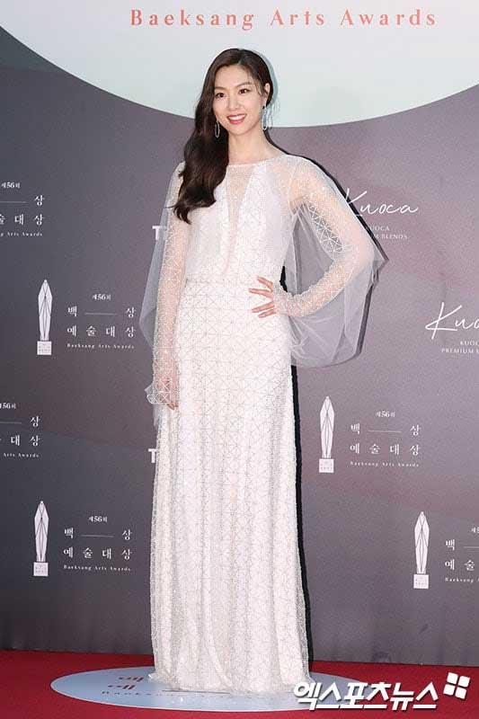 gaun-seo-ji-hye-baeksang-awards-2020