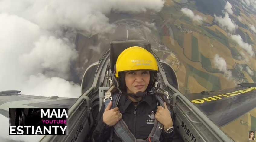 maia estianty naik jet tempur 2 - Tidak Sembarang Orang Bisa, Maia Estianty Naik Jet Tempur Prancis