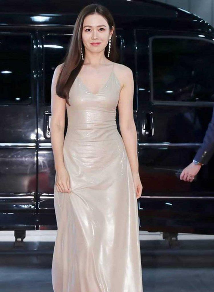 son-ye-jin-gaun-baeksang-awards-2020