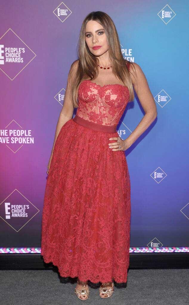 sofia-vergara-people's-choice-awards-2020-baju-gaun