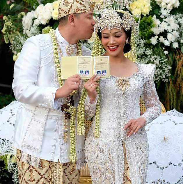 yura-yunita-akad artis menikah 2020