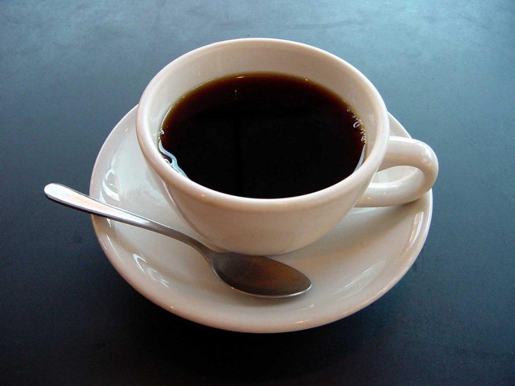 cara menghilangkan bau petai dengan kopi