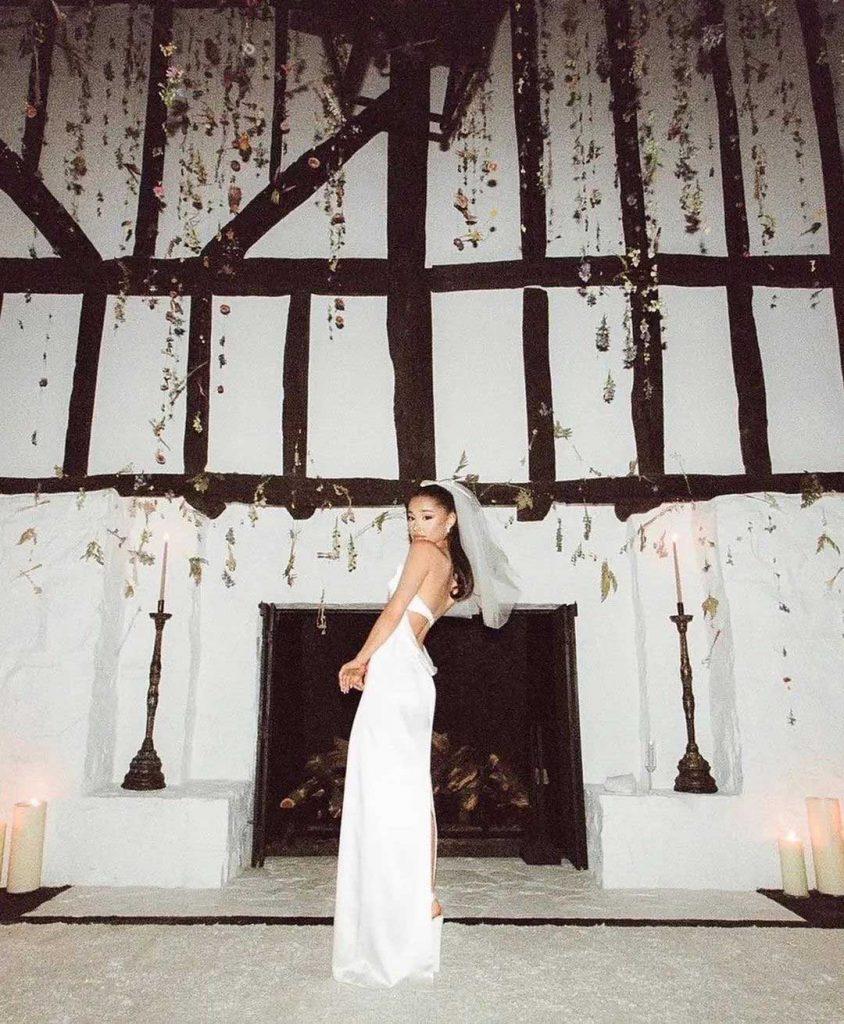 foto pernikahan ariana grande dan dalton gomez