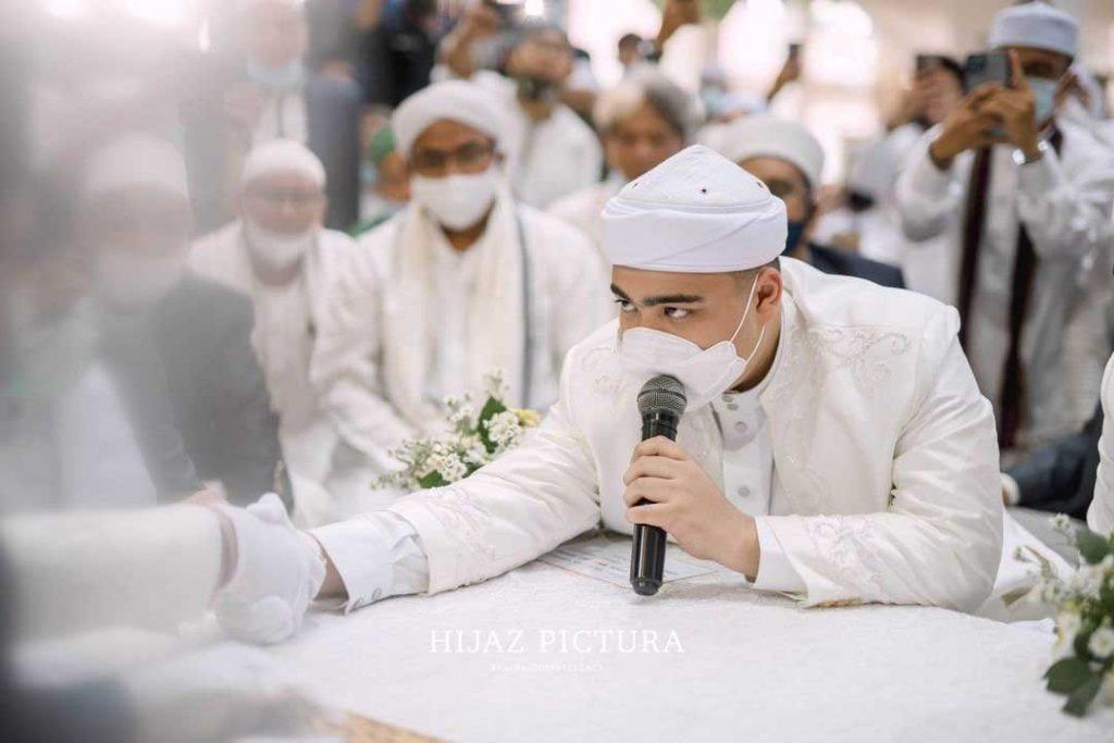 ameer-azzikra-menikah