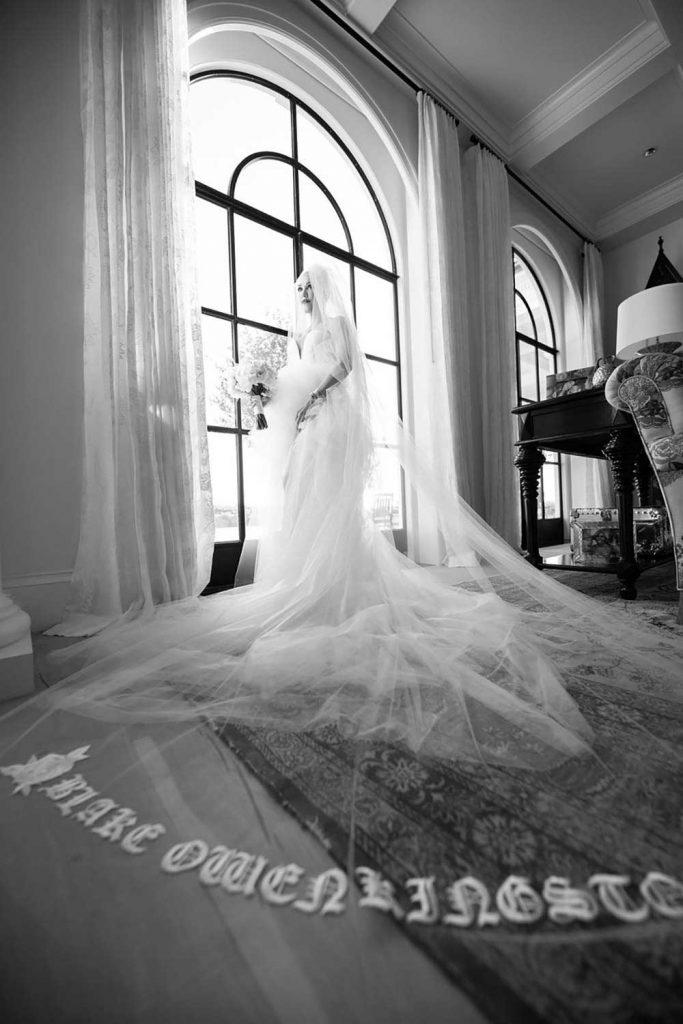 gaun pernikahan gwen stefani dan blake shelton