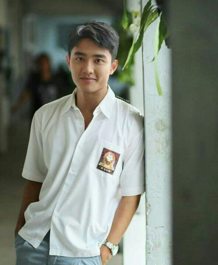 DO EXO siswa SMA indonesia foto edit