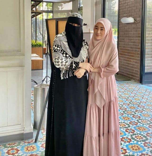 ibu-tiri-alvin-faiz-umi-rania-bawazier-ungkap-larissa-chou-menikah-tahun-depan
