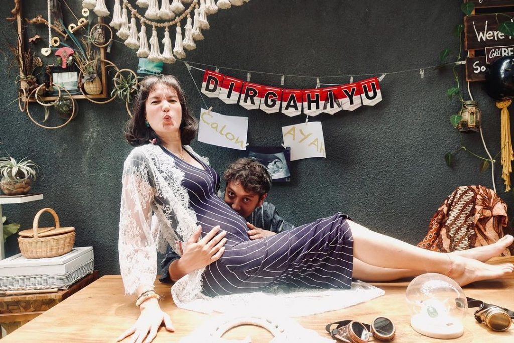 nadine chandrawinata hamil